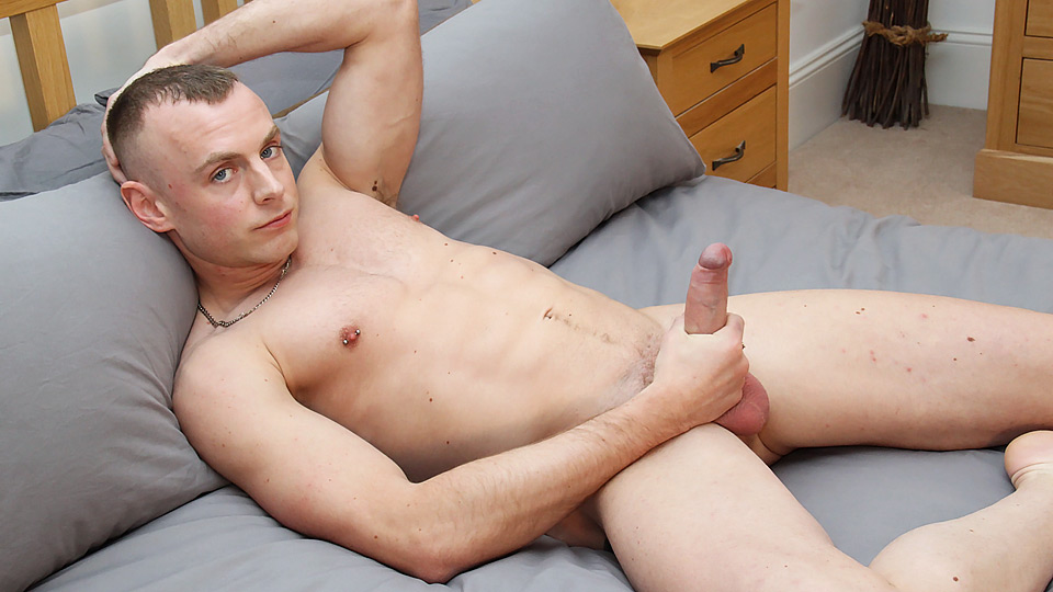 Wanking With Hung Uncut Dean – Dean Peters