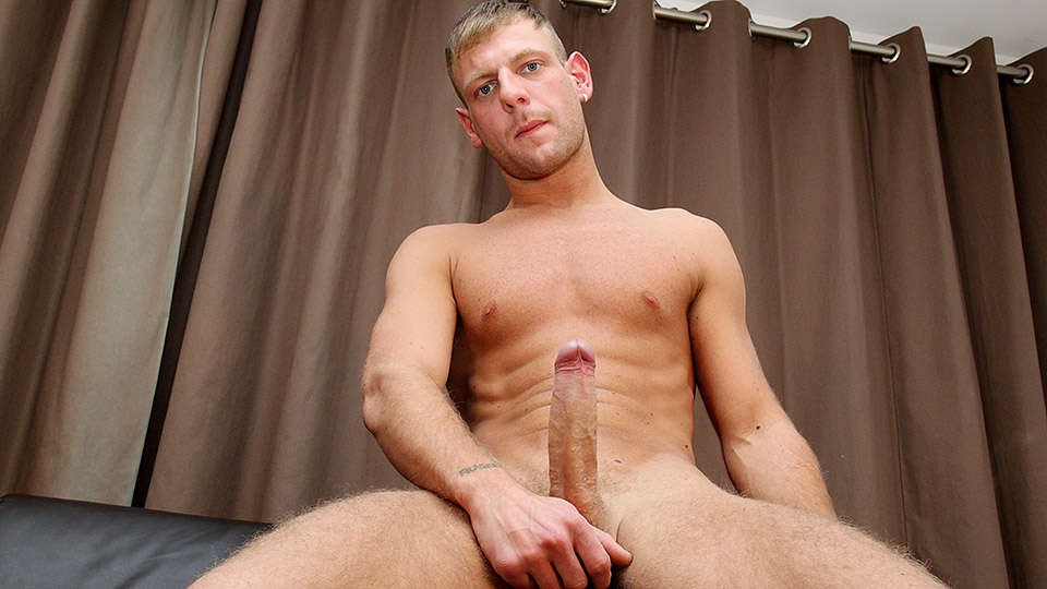 Wanking A Big One With Josh – Josh Charters